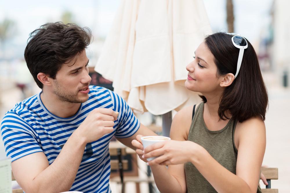 聞き上手の心理で好きな男性の気を引く方法