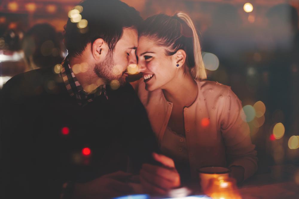 食事に誘う心理・男性からの誘いで恋愛に発展させる方法