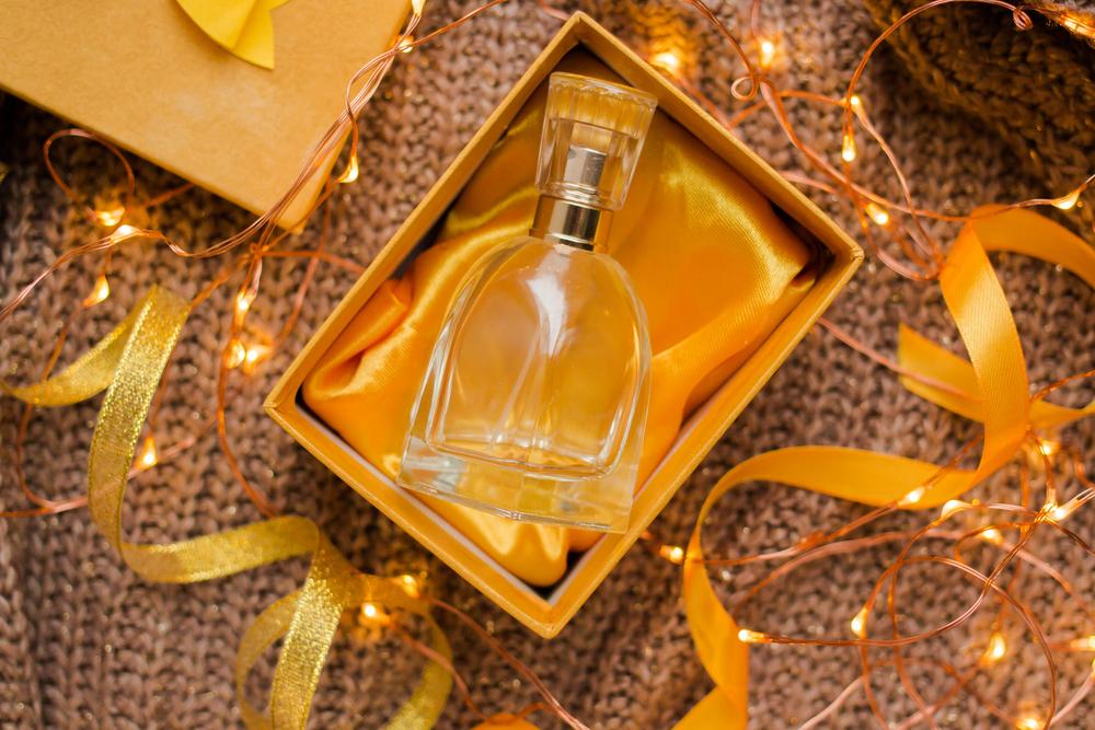 香水をプレゼントする男性心理に込められた本当の想いとは?