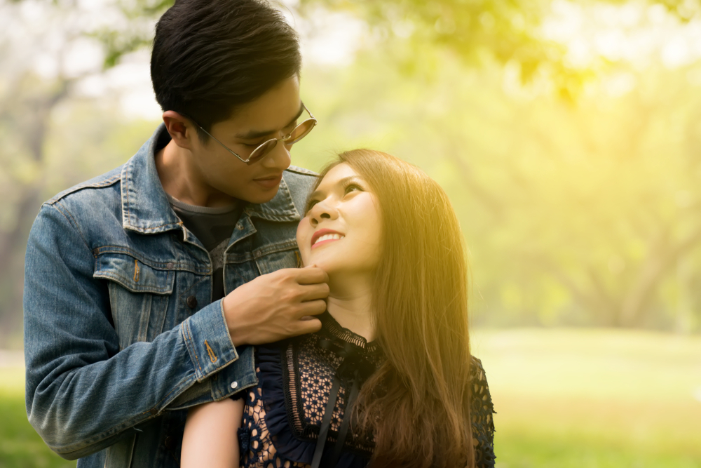 ロングヘアが好きな心理・なぜ男性は髪の長い女性に恋をするのか?