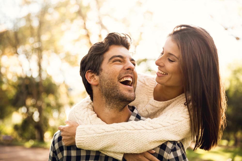 愛想笑いをする心理でわかる相手が思う気持ち