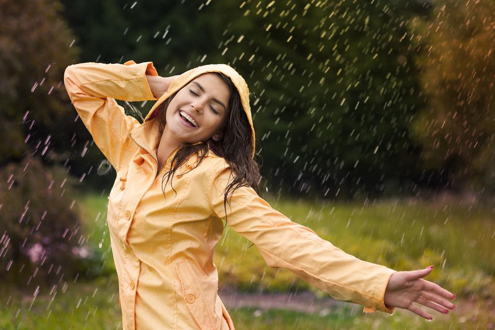 雨が好きな人の心理的な特徴と性格について