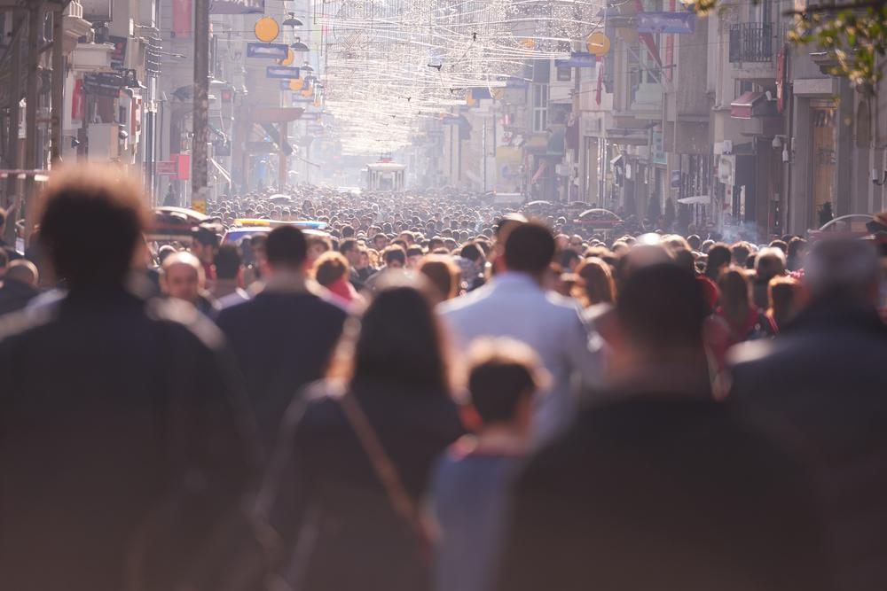 人混みが苦手な心理を克服して外で楽しむ思考転換術について