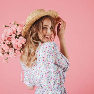 花を飾る女性心理・職場でモテる人は花が好き!