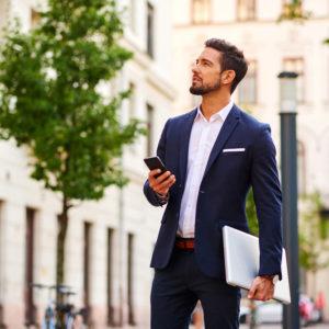 仕事が忙しい男性の恋愛心理・片想いの人に近づくコツ