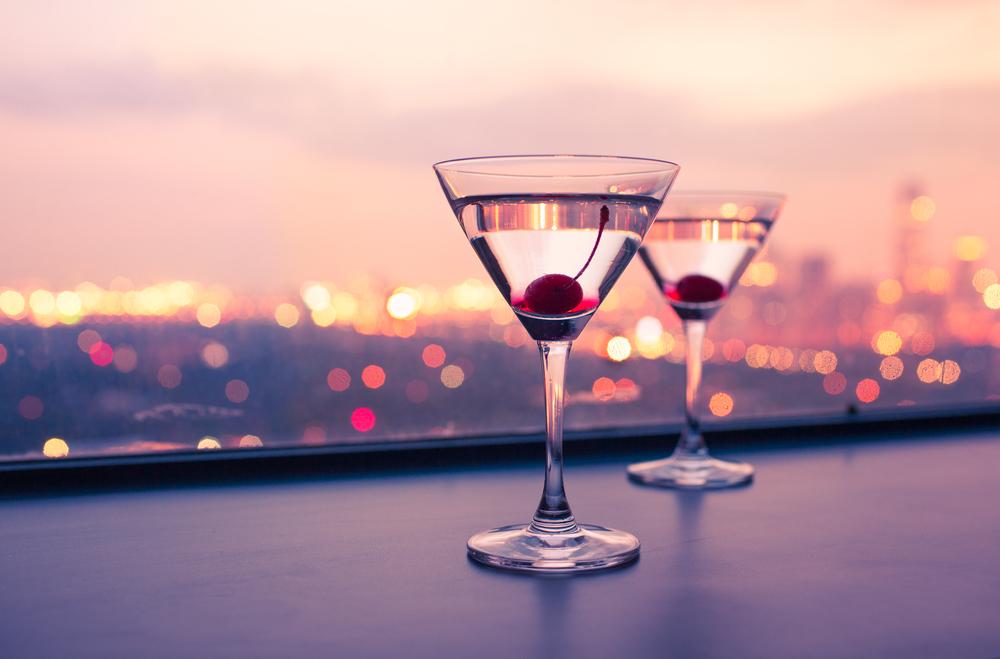 二軒目を誘う心理背景と目的・男性と二人で飲みに行く時に知っておくべきこと