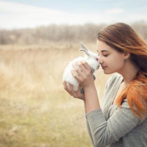 ペットを溺愛する心理が知りたい!家族以上に愛してしまうのはどうしてなの?