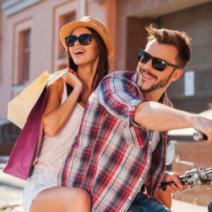 バイクの後ろに乗せる心理・一度やってみたい女性の憧れ行為だった?!