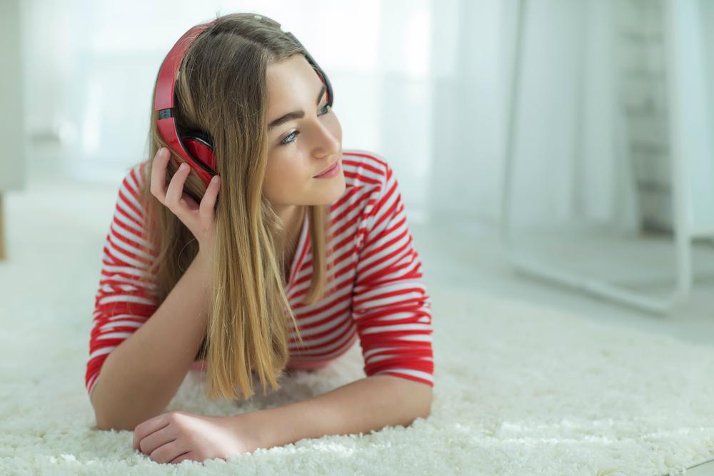 ラインミュージックで恋愛ソングを聴く心理になる理由について