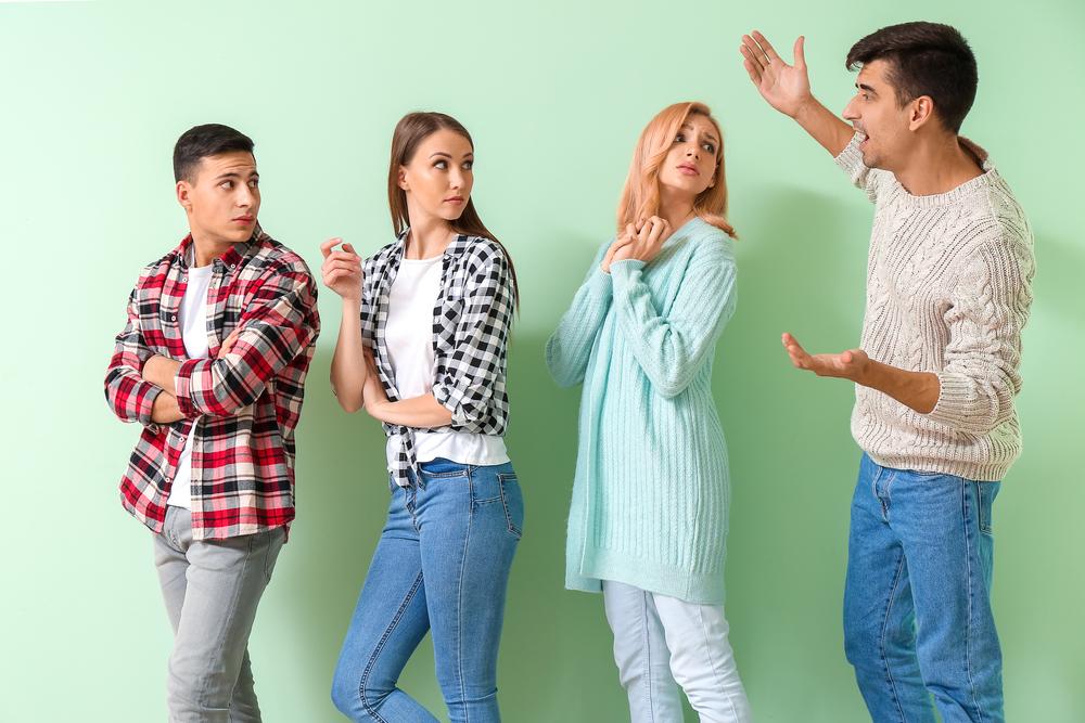 自慢されると嫌になる心理的要因・他人の承認欲求はどう対処するべき?