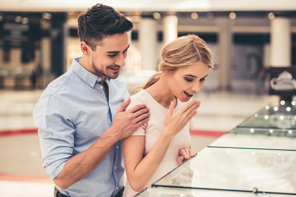 会えないと冷める女性心理・忙しい彼氏との付き合い方のコツについて