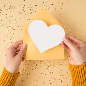 これからも仲良くしてねという心理は恋のはじまり?初対面の人の態度でわかる恋愛の予感