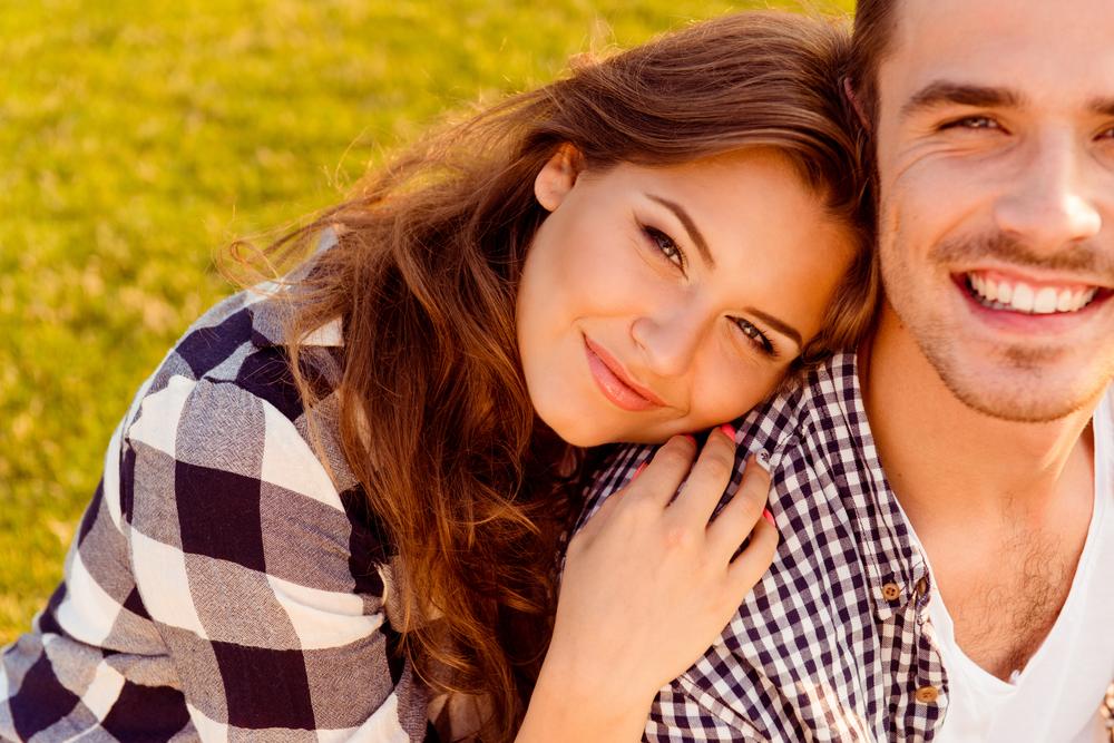 馴れ馴れしい人の心理と恋愛感情の関係・押しの強い人は本気だから?